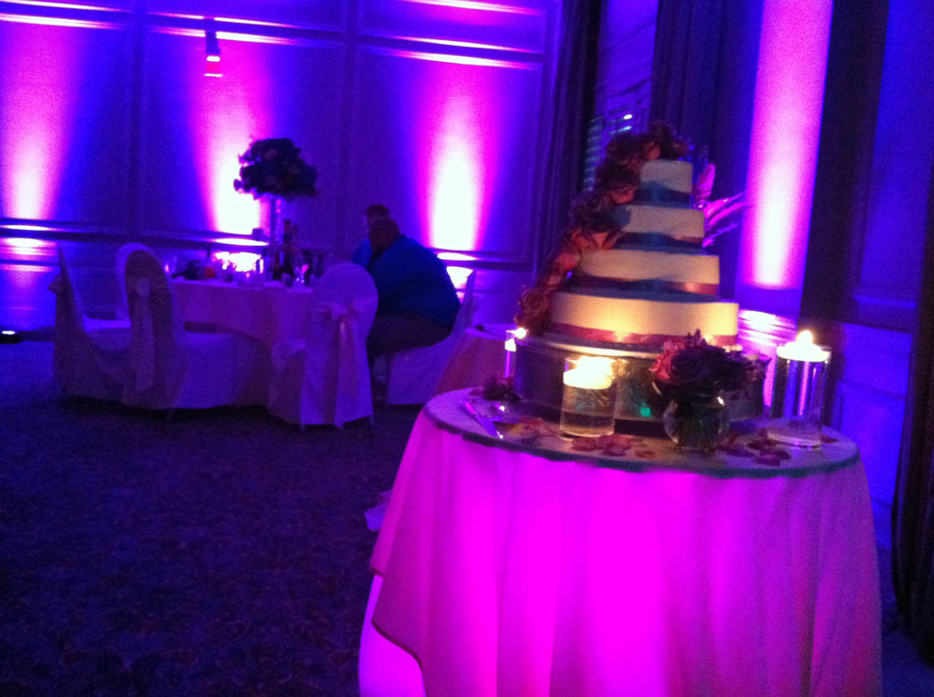 Wedding Cake table lighting, Ethan Allen Inn, Danbury, Ct.